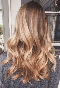 Caramel and blonde balayage hair color 2018 for short, long, medium length hair, pictures of honey blonde and copper blonde balayage hairstyles for fine straight hair, thick and thin curly hair Honey Blonde Hair Color, Honey Hair, Brown Blonde Hair, Blonde Balayage Honey, Blonde Color, Golden Blonde Hair, Bright Blonde, Honey Golden Hair, Long Blond Hair