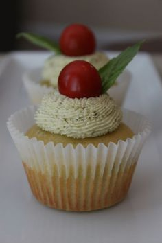 basil cupcake with mascapone basil frosting..yum!