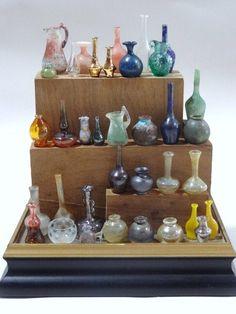 Display Case of Glassware : Lot 284