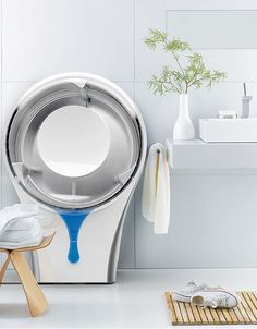 Dubbed the DryMate by industrial designer Nico Kl?ber, this condensation-based concept appliance helps protect apparel from normal wear associated with tumble dryers that use heat as the primary mechanism for evaporating water. Futuristic Technology, Home Technology, Technology Gadgets, Technology Gifts, Gadgets And Gizmos, Cool Gadgets, Tumble Dryers, Ideas Para Organizar, Product Design