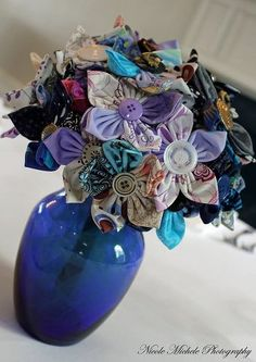 material flowers on sticks in a vase Making Fabric Flowers, Felt Flowers, Flower Making, Diy Flowers, Diy Wedding Projects, Diy Projects To Try, Cute Crafts, Diy Crafts, Material Flowers