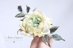 Роза из натурального шелка. Лимонный и фисташка.