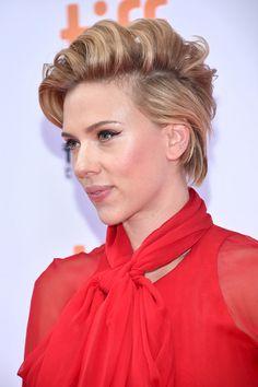 Scarlett Johansson Messy Cut - Scarlett Johansson made bed head look oh-so-stylish!