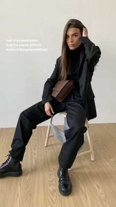 Mode Outfits, Fashion Outfits, Womens Fashion, Mode Dope, Looks Style, My Style, All Black Outfit, Mode Streetwear, Minimal Fashion