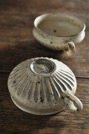 灰釉粉引 縞スープマグ - 器と暮らしの道具 OLIOLI