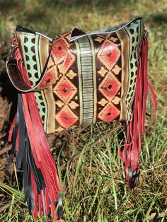 Bar Circle L Leather and Bags custom purse Tooled Leather Purse, Leather Tooling, Leather Purses, Custom Purses, Custom Bags, Cowhide Bag, Western Purses, Horse Tack, Beautiful Bags