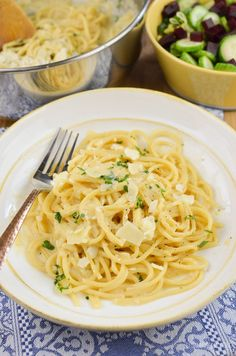 Dig into a plate of this delicious Syn Free Creamy Garlic Pasta which is made from Simple ingredients and take less than 20 minutes to put together.