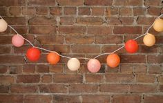 Make a Lit Papier Mache Garland Party Garland, Light Garland, Balloon Garland, Diy Arts And Crafts, Diy Crafts, Diy Paper, Paper Crafts, Tissue Paper, Dyi Decorations