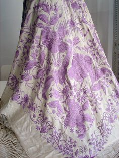 Maria Niforos - Fine Antique Lace, Linens & Textiles : Antique & Vintage Shawls # SH-33 Circa 1900, Exquisite Canton Silk Shawl