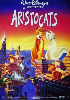 Die etwas betagte Madame Adelaide Bonfamille hat ihre Katze Duchesse mit ihren drei Kätzchen Marie, Toulouse und Berlioz als ihre Erben eingesetzt. Ihr Butler ist daraufhin so erbost, dass er die Katzen kidnappt und dann weit weg von Paris aussetzt. Doch er hat nicht mit dem Streuner Thomas O'Malley und seinen zotteligen Freunden gerechnet, die sich der Aristocats annehmen und ihnen helfen wieder nach Paris zurück zu finden.