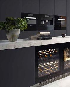 Cuisine cave a vin Miele kitchen interior Kitchen Inspirations, House Design, Interior Design Kitchen, Home Kitchens, Home, Interior, Kitchen Remodel, Modern Kitchen Design, Miele Kitchen