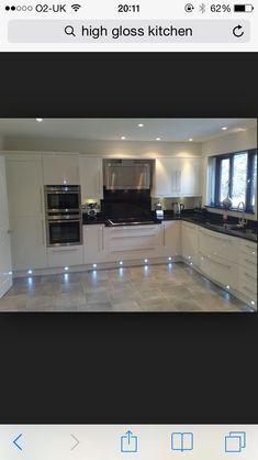 High gloss cream kitchen/ hate the under lights Home Decor Kitchen, Kitchen Living, Interior Design Kitchen, New Kitchen, Home Kitchens, Cream Kitchens, Kitchen Ideas, Le Logis, Kitchen Diner Extension