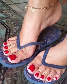 Pin on Sexy feet Red Toenails, Long Toenails, Toe Nails, Cute Toes, Pretty Toes, Feet Soles, Women's Feet, Sexy Zehen, Feet Show