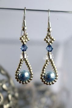Tutorial for earrings 'Pearl Drop' - English 11/0, 6/0, 4mm crystal, 6mm pearl More