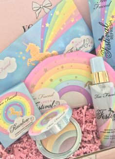 Makeup Palette Tan people can only really use the setting spray and the palette but I love the … Kawaii Makeup, Cute Makeup, Makeup Looks, Makeup Brands, Makeup Tips, Beauty Makeup, Drugstore Beauty, Skincare Dupes, Maquiagem Too Faced