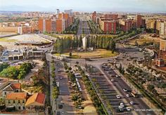 Historias matritenses: Plaza de Castilla Foto Madrid, Plaza, Futuristic, Paris Skyline, City Photo, Spain, Architecture, Travel, Outdoor