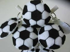 Bola de Futebol. | Arts & capricho | 1AFDD3 - Elo7