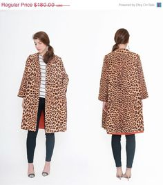 >><< FALL SALE Leopard 1960s Coat . 60s Swing Trench . Animal Print Manteau