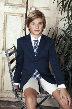 Los trajes de Primera Comunión de El Corte Inglés Boy Models, Child Models, Young Cute Boys, Cute Kids, Handsome Kids, Boys Wedding Suits, Première Communion, Preppy Boys, Boys Uniforms