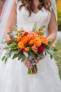 Afbeeldingsresultaat voor wedding theme red orange yellow roses afbeeldingsresultaat voor wedding theme red orange yellow roses future wedding pinterest yellow roses weddings and wedding junglespirit Gallery