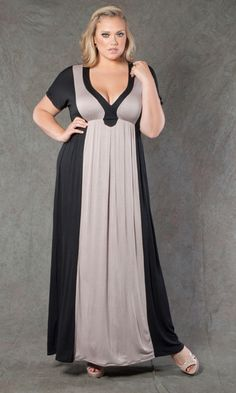 I was blown away at how chic and elegant this maxi dress looks.. What a perfect pick for Summer AND one you can transition into fall! SWAK Designs Casandra Maxi Dress