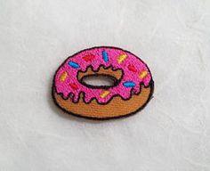 Pink Strawberry Doughnut Iron on Patch ---------------------------------------------------- Quantity : 1 Piece Size : Approx 3.4 cm (W) x 2.5