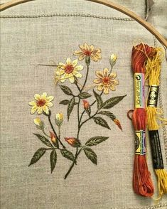 This Pin was discovered by Hom Hand Embroidery Projects, Floral Embroidery Patterns, Hand Embroidery Videos, Embroidery Flowers Pattern, Japanese Embroidery, Crewel Embroidery, Hand Embroidery Designs, Cross Stitch Embroidery, Machine Embroidery
