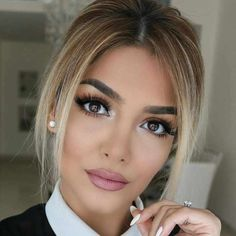 Fantastic Hair trends detail are available on our internet site. : Fantastic Hair trends detail are available on our internet site. Wavy Hair, New Hair, Short Hair Cuts, Short Hair Styles, Celebrity Short Haircuts, Eye Makeup, Hair Makeup, Makeup For Brown Eyes, Balayage Hair
