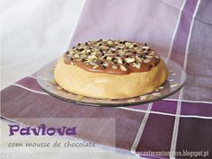 Pavlova com mousse de chocolate