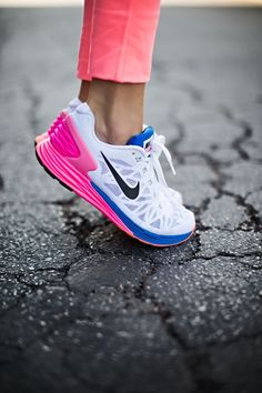 e5cead59dffb Love my Nike Lunar glide 6 shoes. Lightweight