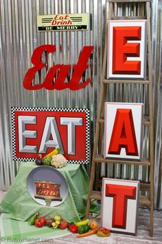 EAT Signs and the American Diner 1950s Diner, Retro Diner, Kitchen Themes, Kitchen Decor, Diner Kitchen, Diner Decor, Eat Sign, Pink Cadillac, American Diner