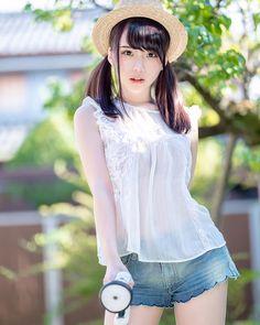 Beautiful Girl like Fashition Beautiful Japanese Girl, Japanese Beauty, Beautiful Asian Women, Asian Beauty, Cute Asian Girls, Cute Girls, Looks Kawaii, Japonese Girl, Chica Fantasy
