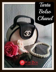 Kuki Box. Tartas y Galletas en Valencia: TARTA BOLSO CHANEL www.kukibox.com #tarta #cake #fondant #bag #bolso #chanel #rosas #rose
