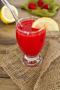 60 Second Homemade Strawberry Lemonade