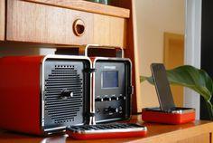 真っ赤なキューブラジオ。 この小さくて可愛らしい姿からは想像できないほど重厚で力強い音質をもつ「Radiocu […]
