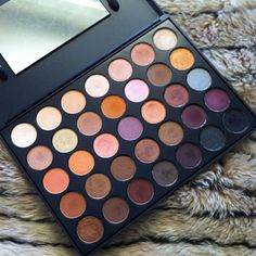 Morphe Brushes Eyeshadow Palette in 35W. It's the quality of MAC or Makeup Geek for only $19.95!! These shades are perfect for anyone who loves neutrals--it's also a must-have for Fall. #makeup #eyeshadow