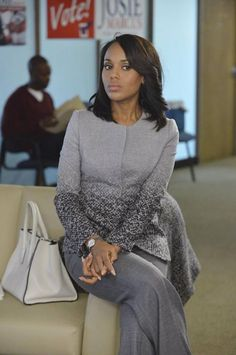Such a classy lady. Kerry Washington/Olivia Pope.