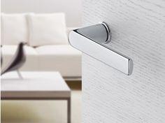 Brass door handle on rose with lock MINI-ROSES | Brass door handle - HOPPE