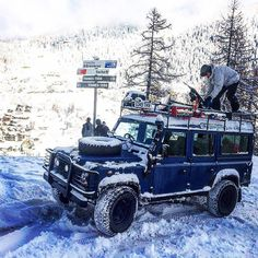 Land Rover Philosophy on Amazing Cars Photo 7727 Defender 90, Land Rover Defender 110, Landrover Defender, Mustang, Val D'isère, Land Rover Models, Best 4x4, Dodge, Offroader