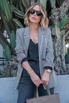 Lässige Business Kombination Grauer Pullover Outfit, Graue Kleidung, Graue  Strickjacke, Lässige Mode, 1dca04fd63