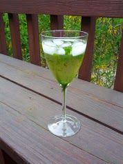 Cooker Girl: Wine Mint Juleps - Wine Cocktail. Great summer drink, not just for the Kentucky Derby!
