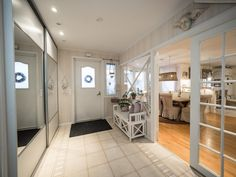 Sisustus - Eteinen - Maalaisromanttinen Entryway, Divider, Sweet Home, Doors, Interior, Furniture, Home Decor, Classroom, Homemade Home Decor