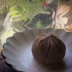 文旦餡の茶巾包み  ・  #わがし屋よだもち #よだもち   #和菓子 #和菓子屋 #wagashi   #sweets #japanese #おやつ   #大阪 #西淀川区 #御幣島 #千舟   #姫島 #塚本 #十三 #歌島