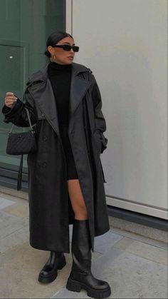 Winter Fashion Outfits, Look Fashion, Winter Outfits, Autumn Fashion, Fall Street Fashion, Black Aesthetic Fashion, All Black Fashion, Modern Fashion, Mens Fashion