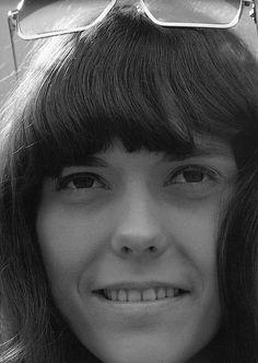 Karen Carpenter an amazing singer with a voice like an angel Richard Carpenter, Karen Carpenter, First Ladies, Samba, Karen Richards, Fiction, Cyndi Lauper, Bold And The Beautiful, Beautiful Women