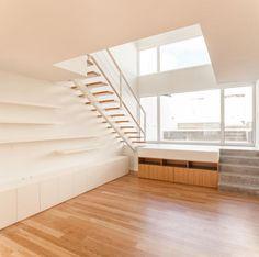 Vista interior. Casa Terras 8 por Colectivo CAIS. Fotografía © Francisco Nogueira. Señala encima de la imagen para verla más grande.