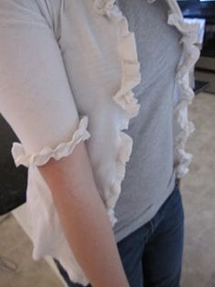 Ruffled cardigan made from a t-shirt