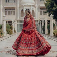 Stunning Anita Dongre Lehengas Spotted On Real Brides Designer Bridal Lehenga, Bridal Lehenga Choli, Bollywood Lehenga, Bridal Looks, Bridal Style, Lehenga Color Combinations, Simple Lehenga, Indian Bridal Outfits, Wedding Outfits