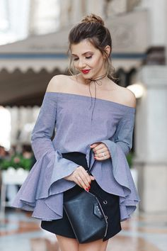 Off the shoulder blouse is the perfect choice for warm spring. Perfect wear with a pair of black strappy high heels. More surprise at AZBRO.com