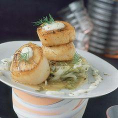 Découvrez la recette des saint-jacques rôties à la fondue d'endives